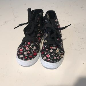 Other - Size 8 floral high top shoes NWT